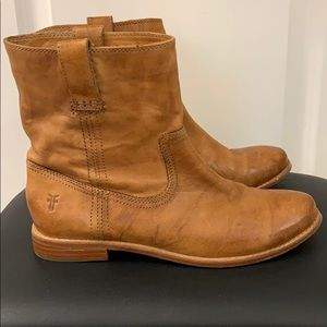 Frye boots. Size 8.5 Barely worn!